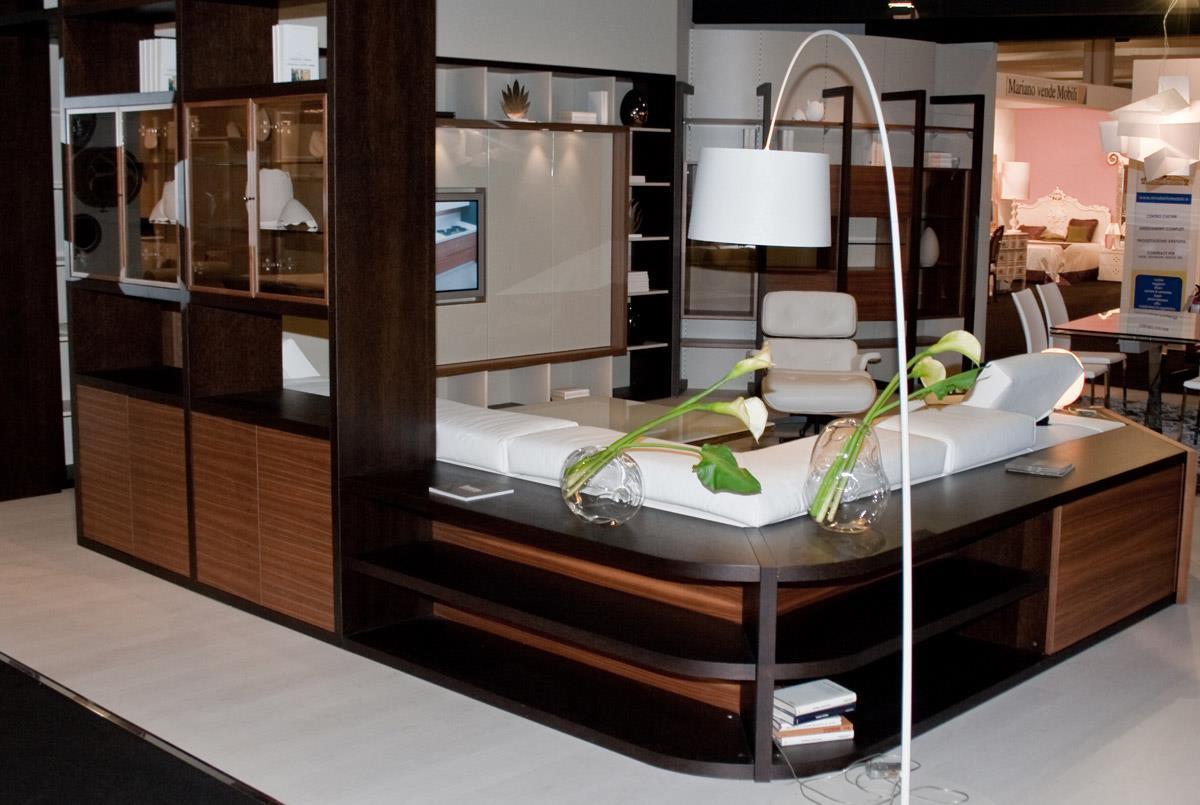 Divano con schienale libreria idee per il design della casa for Mobili per divani